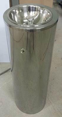 Питьевой фонтанчик с ограничительным кольцом ФП-600А кнопка с боку (чаша 260 мм)